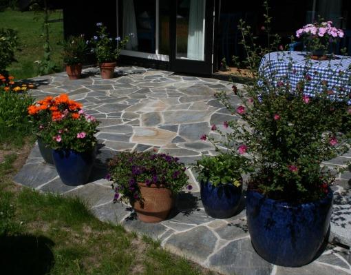 Terrasse belagt med Siki blue, Lumsås.