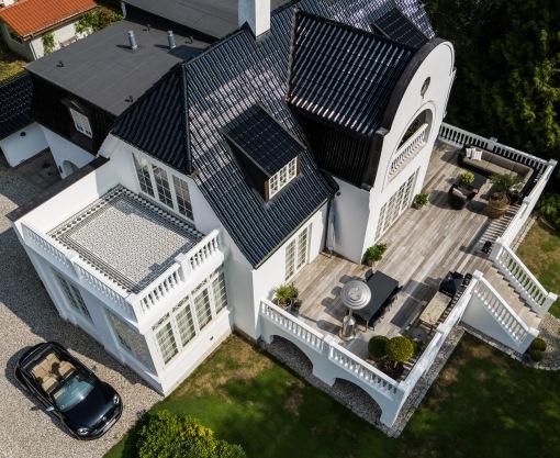 balkon i klassiske fliser